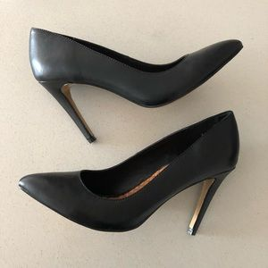 Dolce Vita Shoes - (New) DV black leather pointed toe pumps